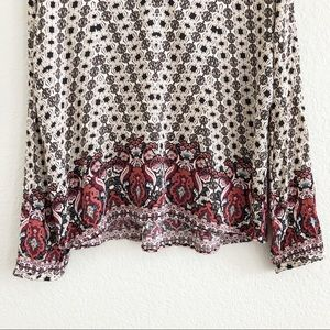Francesca's Collections Tops - Francesca's Collection Printed Long Sleeve Blouse
